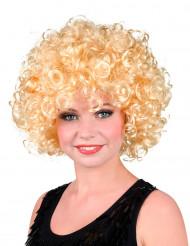 Paryk lokket blond kvinde