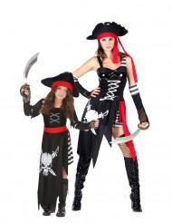 Kostume pirater mor og datter
