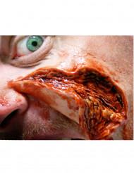 Åbne opslidte sår påføres med vand - Premium