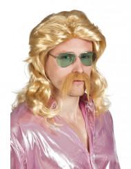 Blond paryk og overskæg voksen
