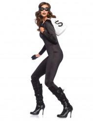 Tætsiddende sort kostume kvinde