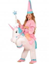 Kostume prinsesse på ryggen af enhjørning til piger