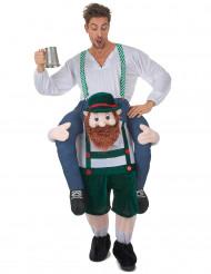 Kostume mand riddende på ryggen af en bayersk mand til voksne