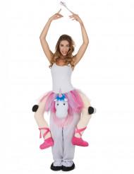 Kostume danserinde på en enhjørning