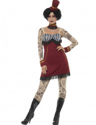 Kostume cirkusartist med tattoveringer