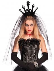 Krone i sort med slør til kvinder