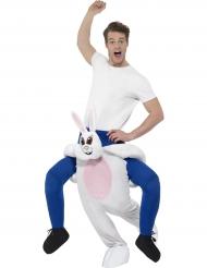 Kostume mand på ryggen af kanin til voksne