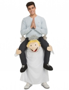 Kostume mand på ryggen af engel til voksne